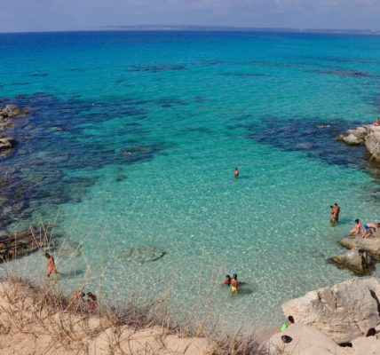 Zatoczka na Wyspie Formentera